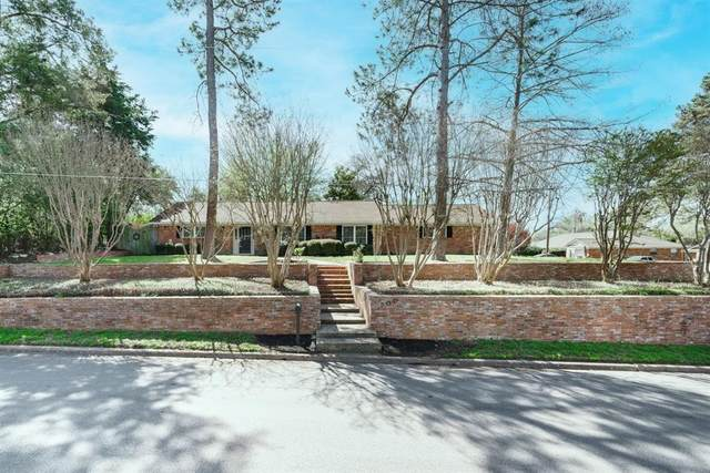 700 Pecan Street, Brenham, TX 77833 (MLS #77203318) :: The Sansone Group