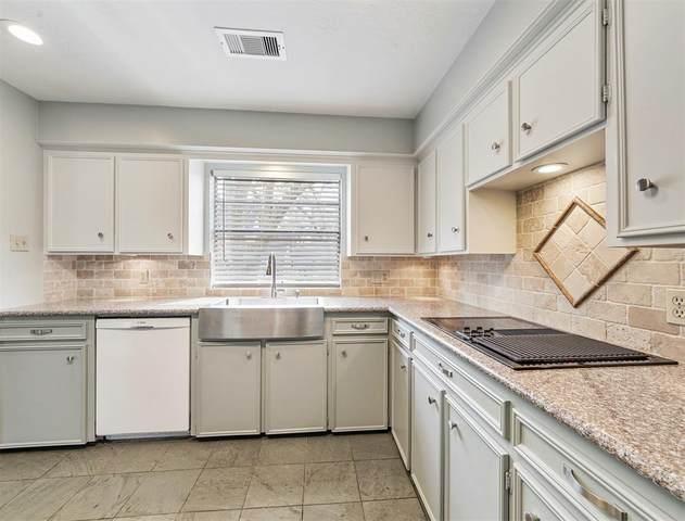 1003 Parkstead, Seabrook, TX 77586 (MLS #77225374) :: Ellison Real Estate Team