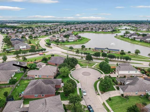 9306 Linden Brook Lane, Rosenberg, TX 77469 (MLS #77250898) :: Lerner Realty Solutions