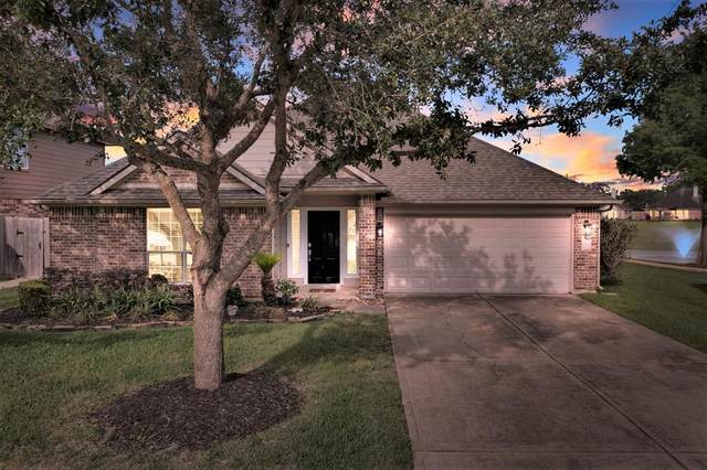 308 Magnolia Estates Drive, League City, TX 77573 (MLS #77299295) :: Ellison Real Estate Team