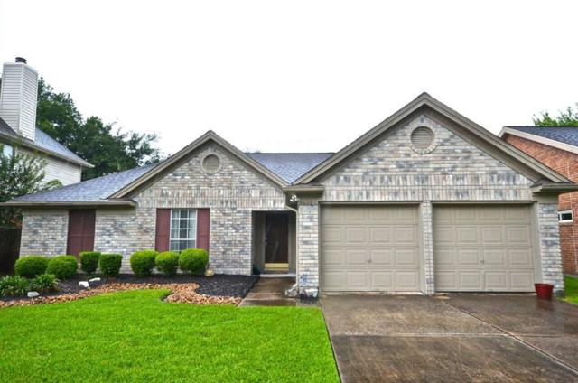 16106 Constitution Lane, Friendswood, TX 77546 (MLS #77445683) :: The Parodi Team at Realty Associates