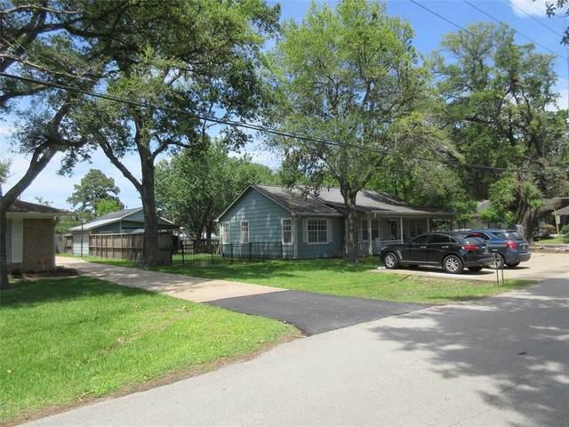 30502 Second Street, Fulshear, TX 77441 (MLS #77525567) :: Parodi Group Real Estate