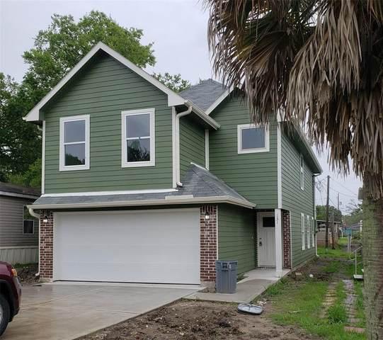 131 Bluebill Bay N, Baytown, TX 77523 (MLS #77638752) :: The Sansone Group