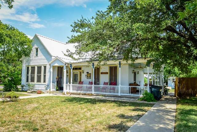 414 N Mechanic Street, Weimar, TX 78962 (MLS #77672309) :: Texas Home Shop Realty