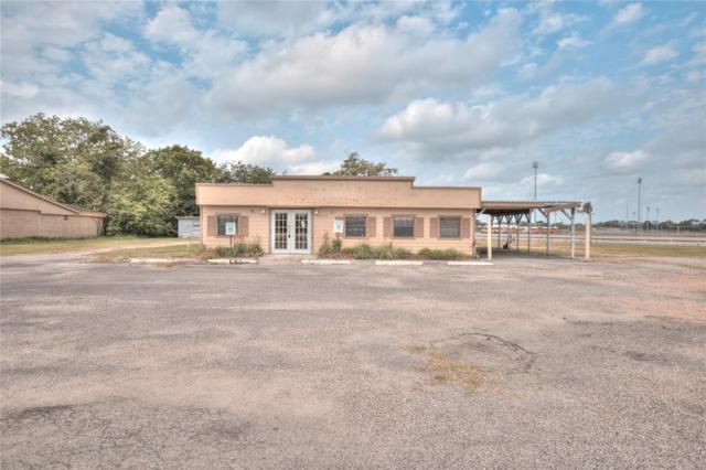 1529 E Mulberry Street, Angleton, TX 77515 (MLS #77673134) :: Texas Home Shop Realty
