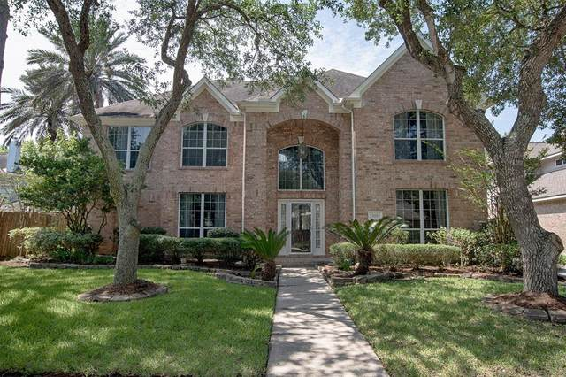 2101 Crescent Coral Drive, League City, TX 77573 (MLS #77791081) :: Rachel Lee Realtor