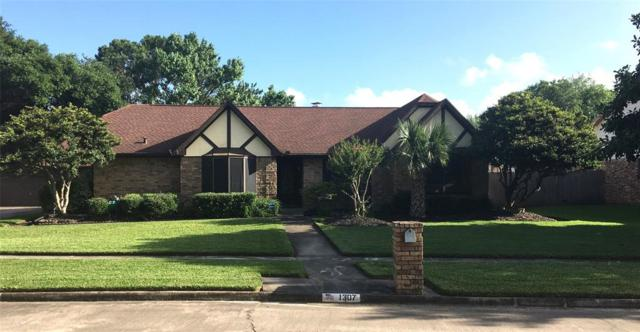 1307 Shadow Bnd, Seabrook, TX 77586 (MLS #77802903) :: The SOLD by George Team