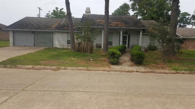 403 Old Bayou Drive, Dickinson, TX 77539 (MLS #77849495) :: The SOLD by George Team