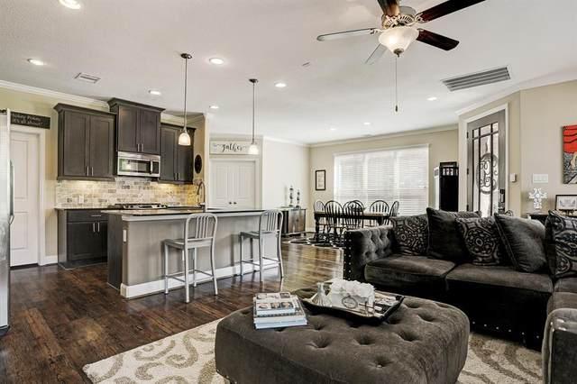 417 Via Regatta Street, Webster, TX 77598 (MLS #77858777) :: Keller Williams Realty