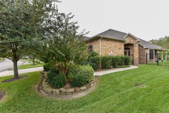1240 N Riviera Circle, Pearland, TX 77581 (MLS #77860415) :: Texas Home Shop Realty
