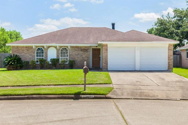 16807 Kings Chapel Court, Friendswood, TX 77546 (MLS #77880424) :: Texas Home Shop Realty
