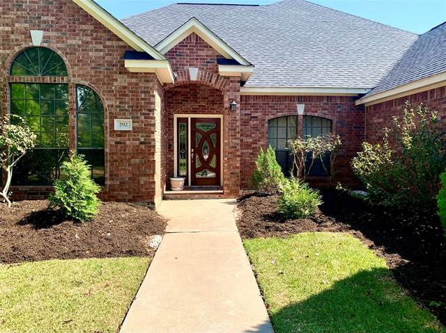 292 Timbercreek Drive, Lake Jackson, TX 77566 (MLS #77986006) :: The Home Branch