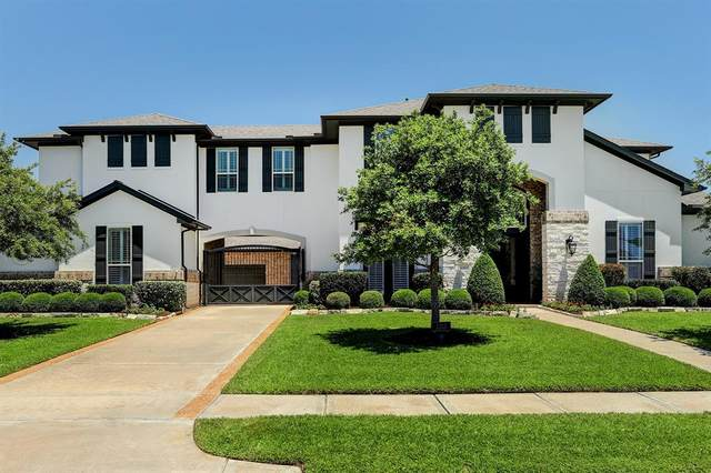 2313 Taylor Sky Lane, Friendswood, TX 77546 (MLS #77993143) :: The Bly Team