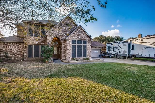 103 Peppermint Drive, Lake Jackson, TX 77566 (MLS #7806479) :: Ellison Real Estate Team