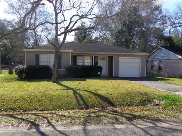 210 E Foley Street, Alvin, TX 77511 (MLS #78069230) :: NewHomePrograms.com LLC