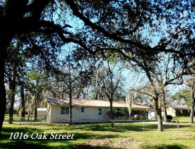 1016 Oak Street, Columbus, TX 78934 (MLS #78169692) :: The Sansone Group