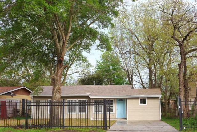 7314 Mountbatten Road, Houston, TX 77033 (MLS #78215021) :: Fairwater Westmont Real Estate