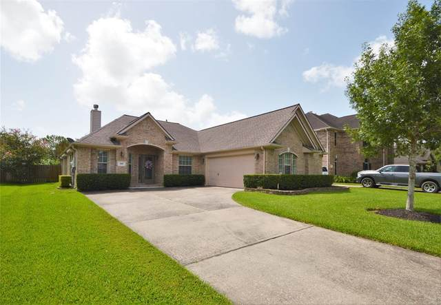 231 Rustic Oaks Drive, League City, TX 77573 (MLS #78226155) :: The SOLD by George Team