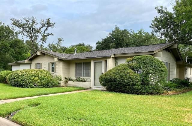 310 E Brenham Street, Giddings, TX 78942 (MLS #78287958) :: The Home Branch