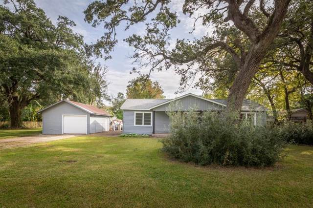 123 Barbara Drive, Clute, TX 77531 (MLS #78383265) :: The SOLD by George Team