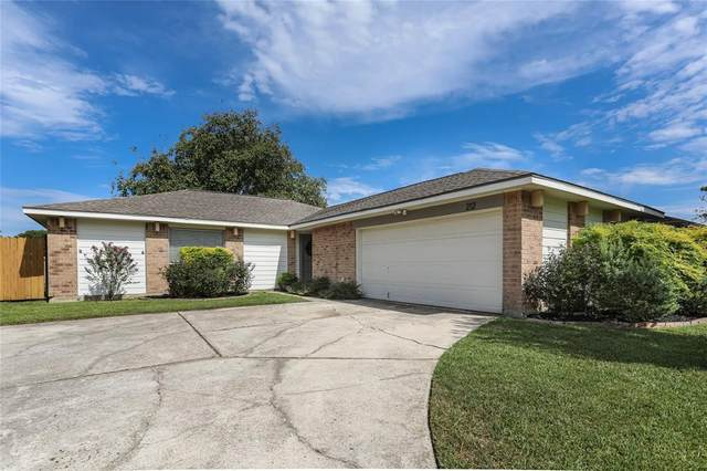 212 Greenshire Drive, League City, TX 77573 (MLS #78408130) :: The SOLD by George Team