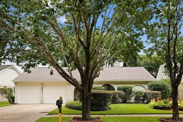 16011 Mill Point Drive, Houston, TX 77059 (#78417979) :: ORO Realty