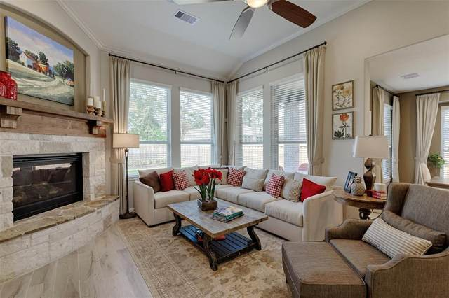 10 Muthill Circle, Conroe, TX 77304 (MLS #78530384) :: The Andrea Curran Team powered by Styled Real Estate
