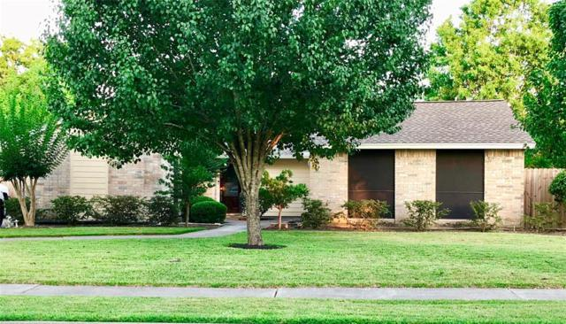 1016 W Castlewood Avenue, Friendswood, TX 77546 (MLS #78571603) :: The SOLD by George Team
