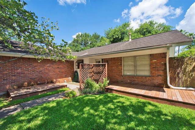 6730 Roos Road, Houston, TX 77074 (MLS #78610729) :: The Home Branch