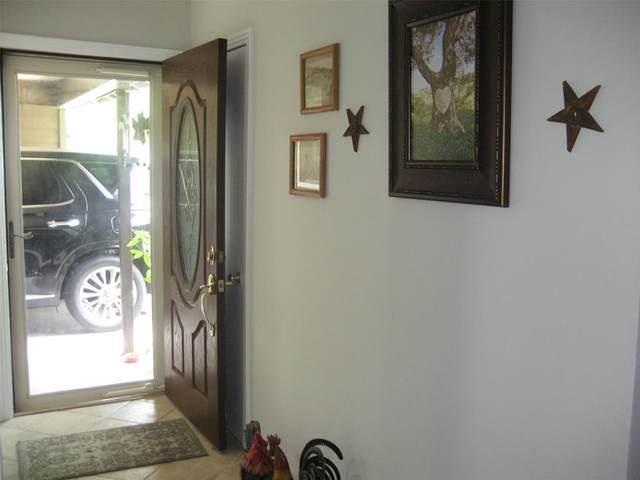 1124 Courtney Drive, Richmond, TX 77469 (MLS #78952562) :: Guevara Backman