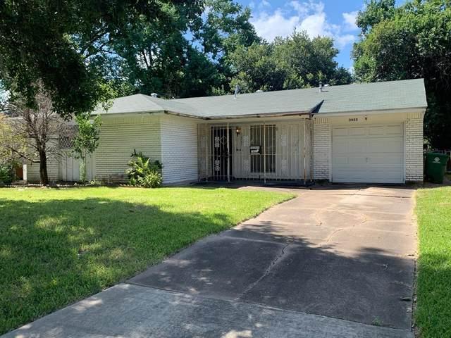 3823 Darlinghurst Drive, Houston, TX 77045 (MLS #7897309) :: The Bly Team