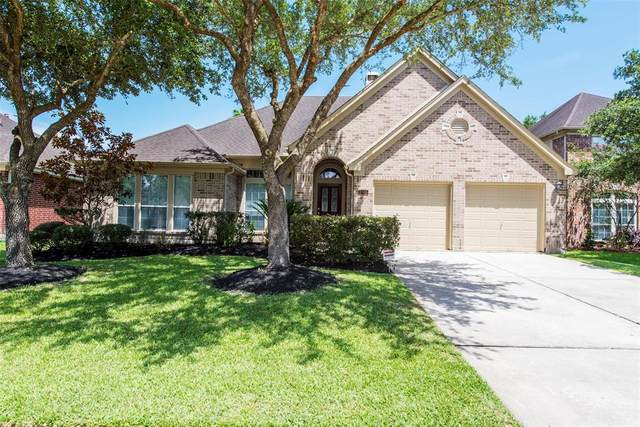4505 Grove Park Drive, League City, TX 77573 (MLS #78993094) :: The SOLD by George Team