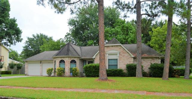 907 Essex Drive, Friendswood, TX 77546 (MLS #7903685) :: Christy Buck Team