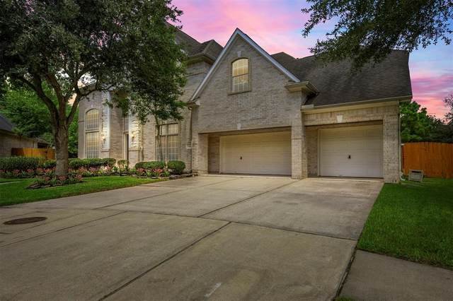 11901 Shore Pointe Drive, Pearland, TX 77584 (MLS #79132278) :: Christy Buck Team
