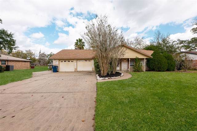 10 Sherwood Drive, Clute, TX 77531 (MLS #79181694) :: Texas Home Shop Realty