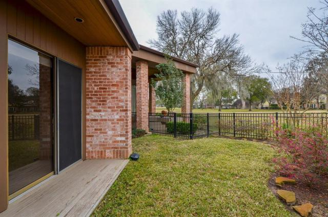 10 Charleston Street S, Sugar Land, TX 77478 (MLS #79287828) :: Caskey Realty