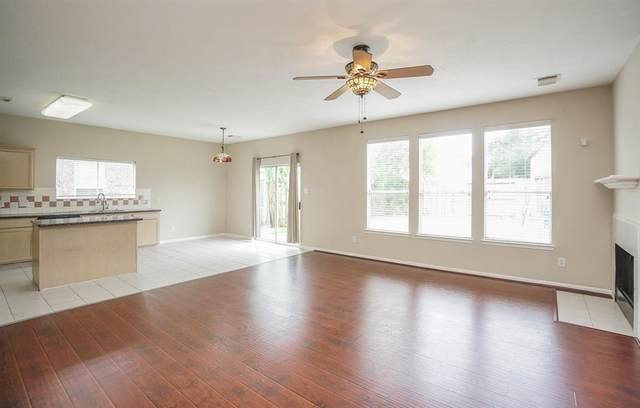 2714 Willow Springs Lane, Sugar Land, TX 77479 (MLS #79378907) :: The SOLD by George Team