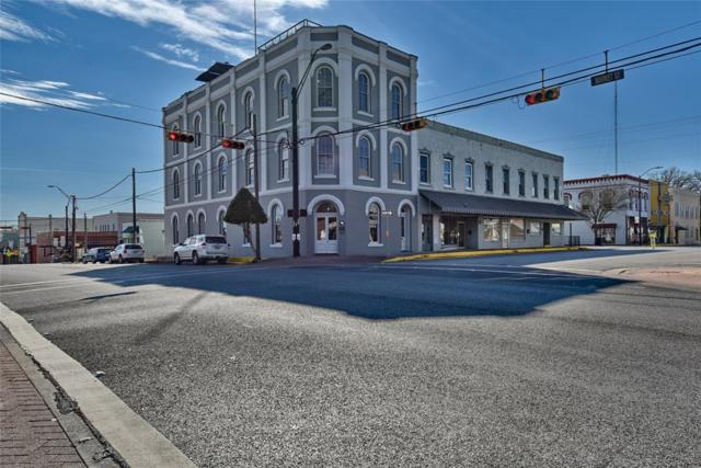 222 E Main Street, Brenham, TX 77833 (MLS #79499497) :: The Sansone Group