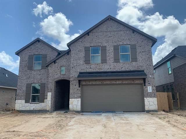 2624 Friendship Lane, Friendswood, TX 77546 (MLS #79547469) :: Lerner Realty Solutions
