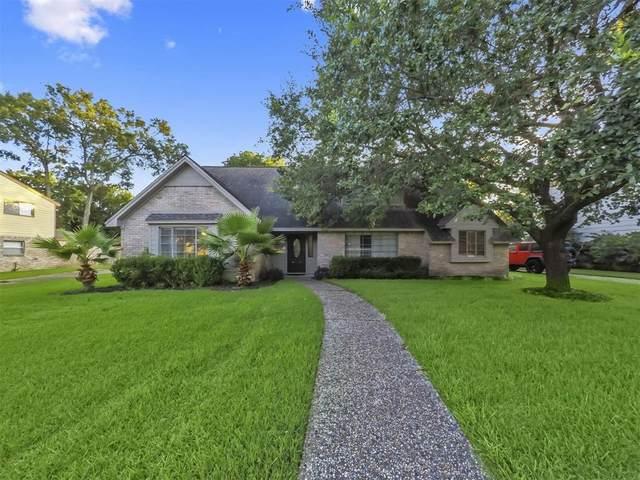 1015 Woodbank Drive, Seabrook, TX 77586 (MLS #79686084) :: Ellison Real Estate Team