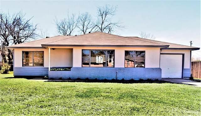 109 Lakewood Drive, Baytown, TX 77520 (MLS #79741511) :: The SOLD by George Team