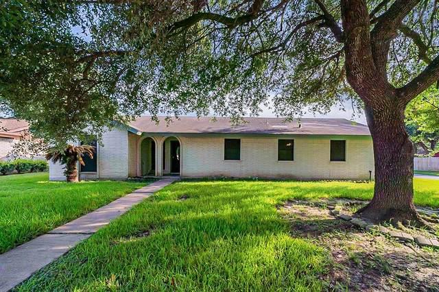 4715 Crepe Myrtle Lane, Pasadena, TX 77505 (MLS #79774584) :: The Freund Group