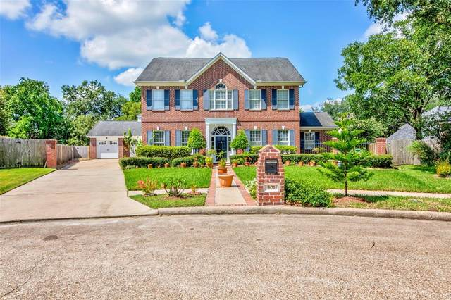 301 Oak Haven Street, Baytown, TX 77520 (MLS #79938867) :: The Bly Team