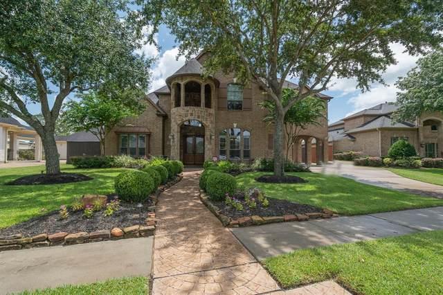 213 Hunters Lane, Friendswood, TX 77546 (MLS #79968012) :: The Heyl Group at Keller Williams
