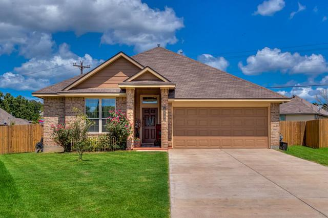 112 Oakwood Court, Huntsville, TX 77320 (MLS #7998835) :: Mari Realty