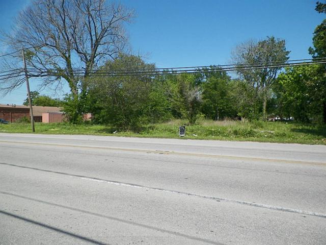 803 N Main Street, Highlands, TX 77562 (MLS #8008140) :: Giorgi Real Estate Group
