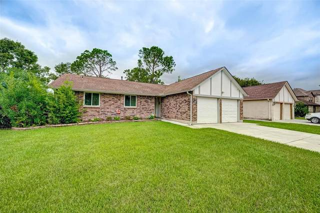 11203 Camphorwood Drive, Houston, TX 77089 (MLS #80184055) :: The SOLD by George Team