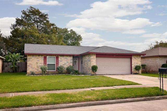 36 Wagon Lane, Angleton, TX 77515 (MLS #8022609) :: Texas Home Shop Realty