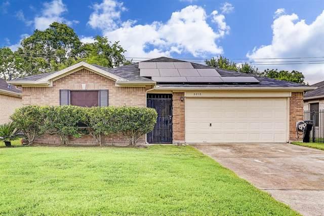 5215 Sugar Bush Drive, Houston, TX 77048 (MLS #80266089) :: Giorgi Real Estate Group