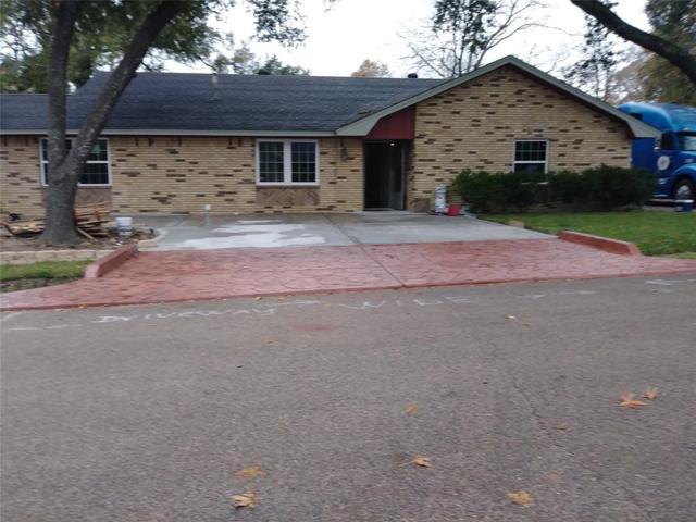 2201 Grace Street Street, Conroe, TX 77303 (MLS #80370960) :: Texas Home Shop Realty